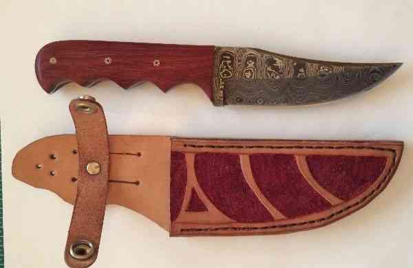 821 - Finger Grooved Damascus Knife