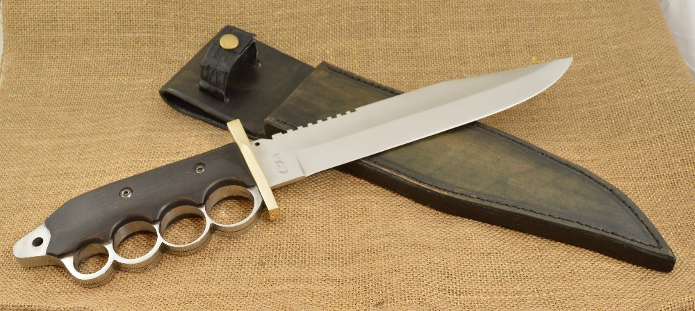 865 -Knuckle handle alligator knife